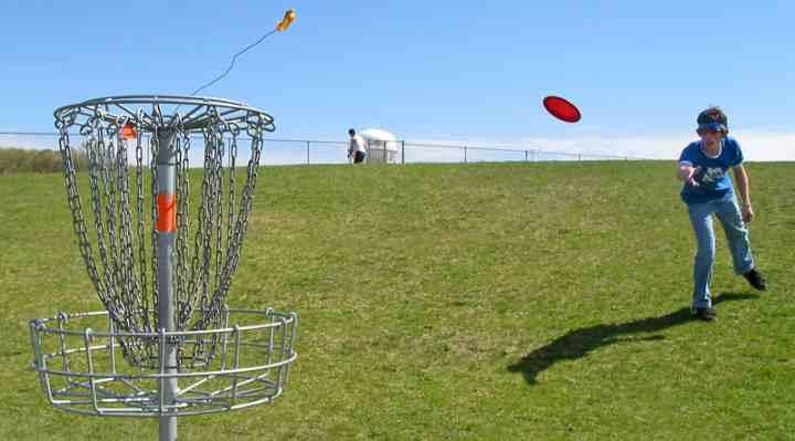 Frisbeegolf og discgolf