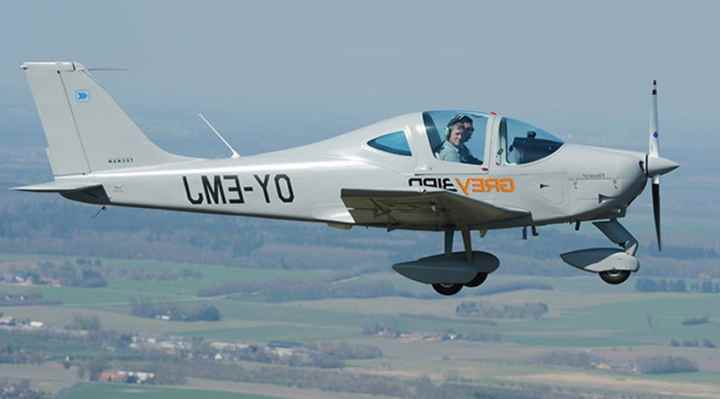 pilot-for-en-dag Grey Air Aviation