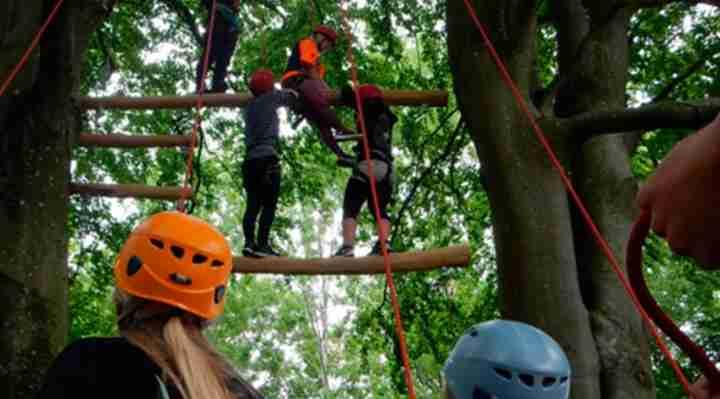 klatring highroping, klatrepark med outdoorsports København, Vejle, Middelfart og Århus