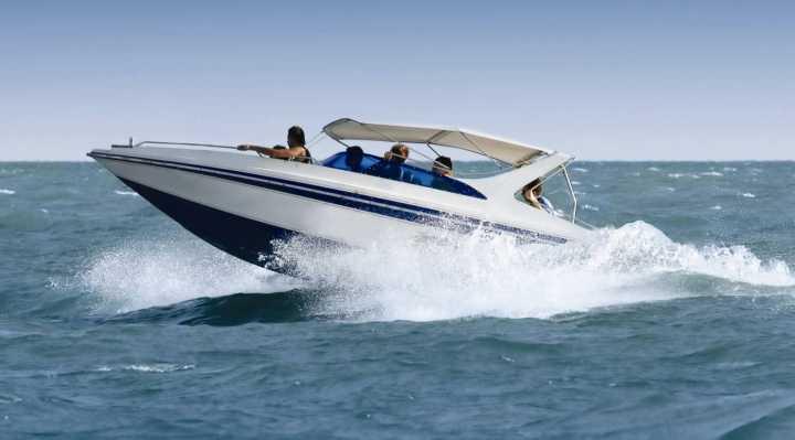Lej en Speedbåd
