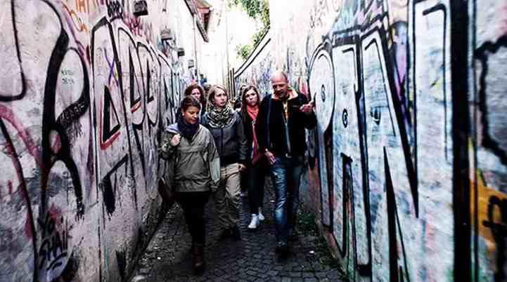 guidet-tur-med-en-hjemløs